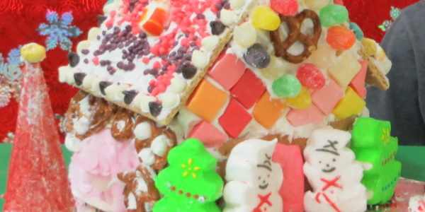 2017 gingerbread house4