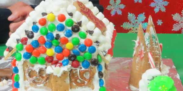 2017 gingerbread house9